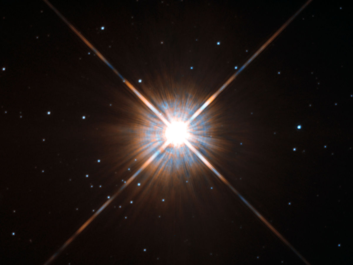Our closest neighbor star, Proxima Centauri. Image credit: ESA/Hubble.